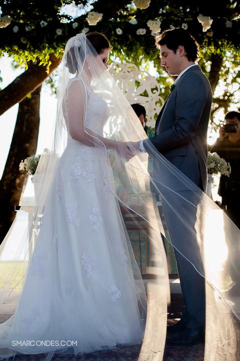 Casamento em Brasilia, casamento no fim de tarde, na beira lago. Casar embaixo de uma árvore, durante o dia. Casamento no gramado do Clube do Congresso, Lago Norte, BSB, DF. Foto: Ana Paula Sampê