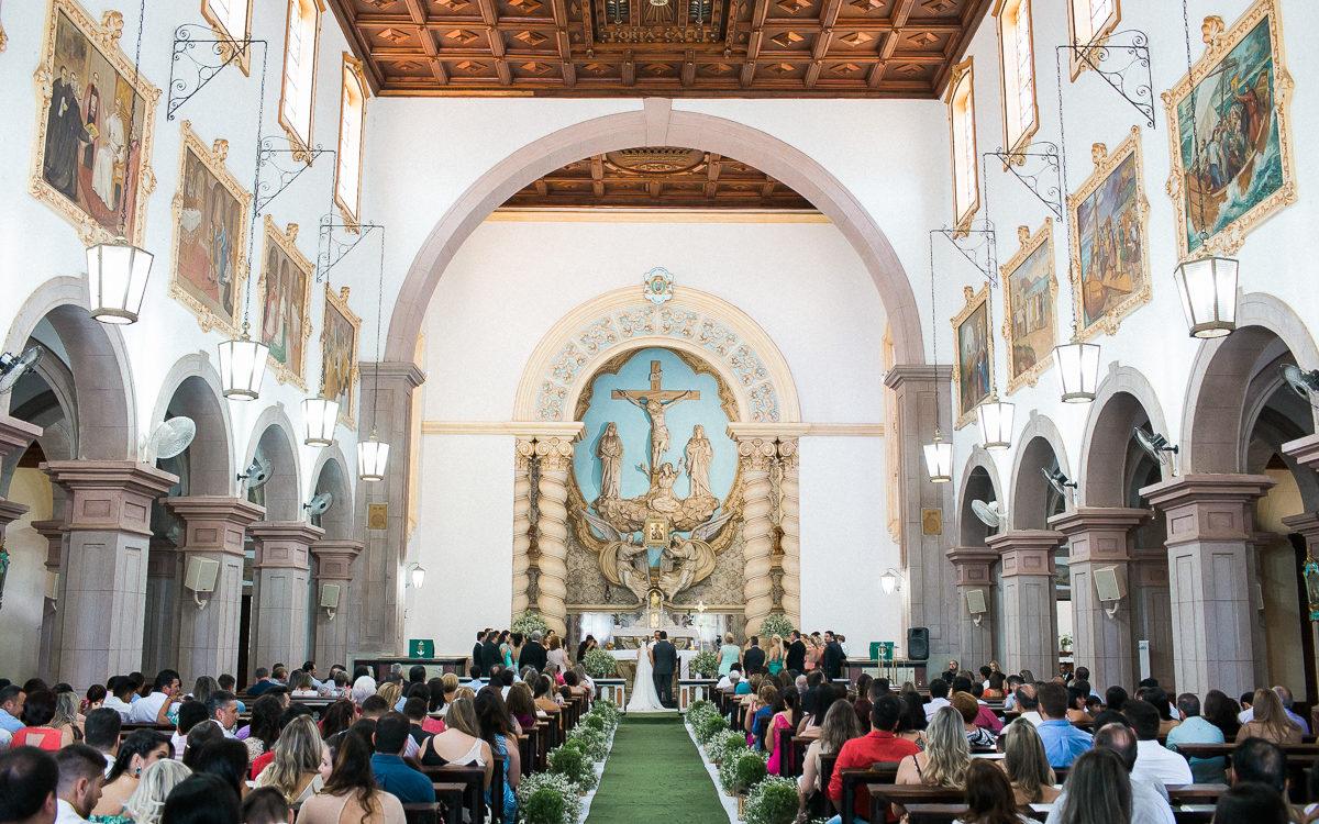 Casamento em São João da Boa Vista, Igreja do Perpétuo Socorro, interior de SP. Samuel Marcondes Fotografias. Manu Biazzo